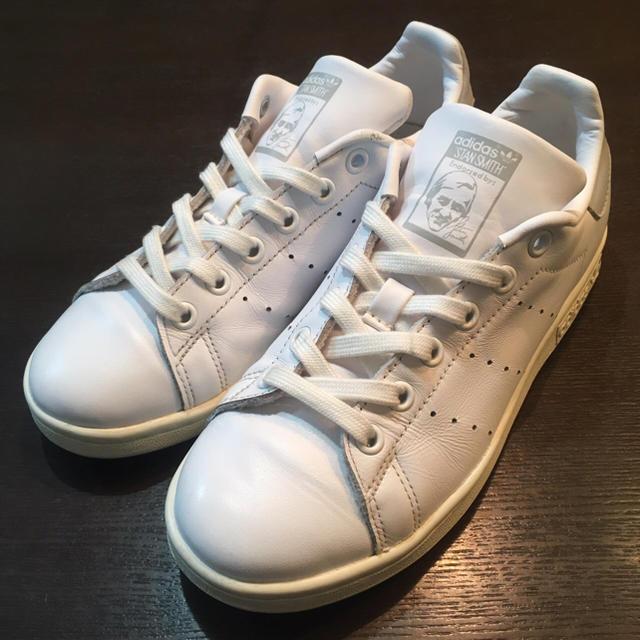 adidas(アディダス)のadidas  アディダス スタンスミス   グレー 22.5cm   レディースの靴/シューズ(スニーカー)の商品写真
