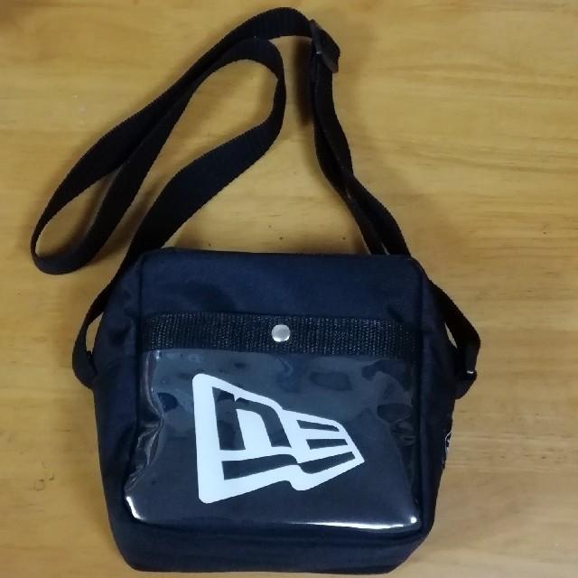 NEW ERA(ニューエラー)の限定品 チェキ × NEW ERA スペシャル バッグ 新品 メンズのバッグ(ショルダーバッグ)の商品写真