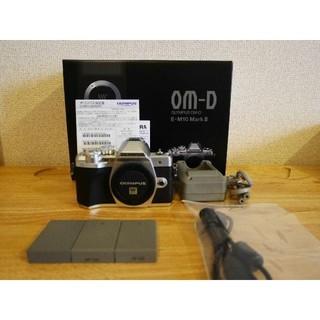 OLYMPUS - ★おまけ付き★ オリンパス O-MD E-M10 MarkⅢ ショット数少