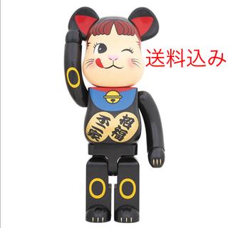 フジヤ(不二家)のBE@RBRICK招き猫ペコちゃん黒 1000%(キャラクターグッズ)