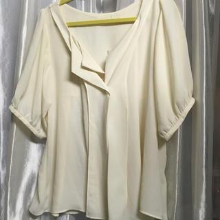 ジーユー(GU)の新品未使用 GUブラウス(シャツ/ブラウス(半袖/袖なし))