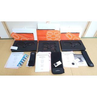 シックスパッド(SIXPAD)のシックスパッド Abs & Twin Body Fit 電池式 ジェルもあり(トレーニング用品)