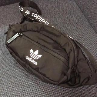 ウエストポーチ ウエストバッグ バッグ adidas originals(ボディバッグ/ウエストポーチ)