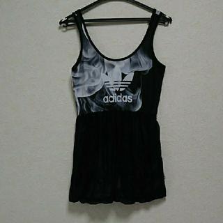 アディダス(adidas)のアディダス トップス  米国歌手リタ オラ コラボレーション トップス(Tシャツ/カットソー(半袖/袖なし))