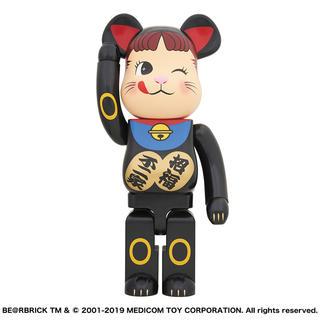 メディコムトイ(MEDICOM TOY)の新品未開封 BE@RBRICK 招き猫 ペコちゃん 黒 1000% (その他)