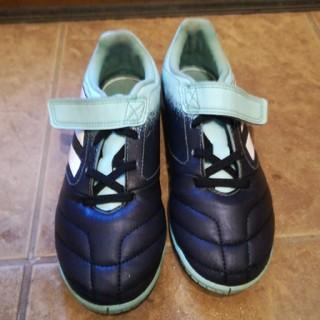 アディダス(adidas)の送料込アディダス トレーニングシューズ インドア 17.4 21cm(シューズ)