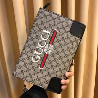 Gucci - Gucciメンズカジュアルビジネスクラッチ