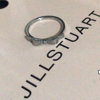 ジルスチュアート(JILLSTUART)のジルスチュアートk10ホワイトゴールド ダイヤ リボンリング(リング(指輪))