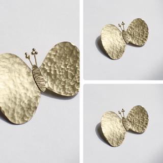 ミナペルホネン(mina perhonen)の真鍮ブローチ「ちょうちょ」choucho ハンドメイド オリジナル(コサージュ/ブローチ)