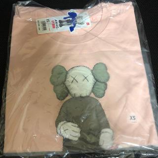 UNIQLO - UNIQLO カウズ ユニクロ Tシャツ ピンク