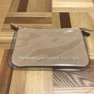 ルイヴィトン(LOUIS VUITTON)のパリ限定 フォンダシオン ルイヴィトン ポーチ ルイヴィトン美術館 キャメル(ポーチ)