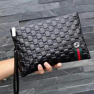 グッチ(Gucci)のグッチ クラッチバッグ メンズファッション ブラック(セカンドバッグ/クラッチバッグ)