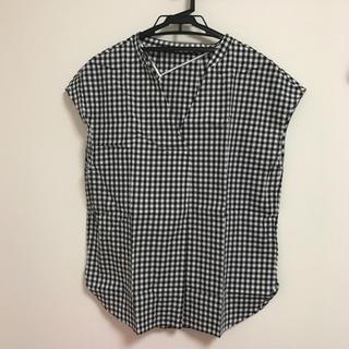 ジーユー(GU)の新品未使用 GU ギンガムチェック ブラウス(シャツ/ブラウス(半袖/袖なし))