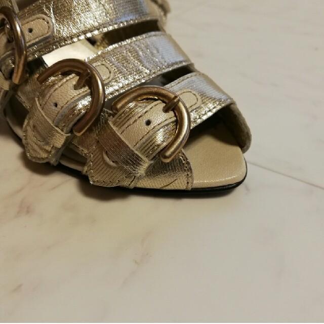 VII XII XXX(セヴントゥエルヴサーティ)の未使用!!セブントゥエルブサーティー 本革ストラップサンダル 34.5  レディースの靴/シューズ(サンダル)の商品写真