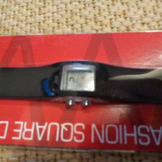 【新品未使用】ファッションデジタルウォッチ スクエア(腕時計(デジタル))