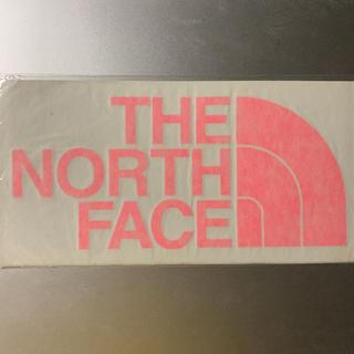 ザノースフェイス(THE NORTH FACE)のTHE NORTH FACE カッティング ステッカー ピンク / オレンジ(登山用品)