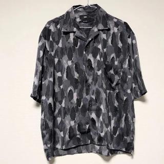 ハレ(HARE)のHARE ハレ アートガラカイキンシャツ S(シャツ)