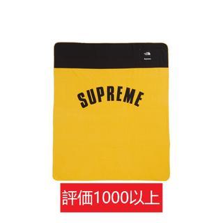 シュプリーム(Supreme)のSupreme TNF Denali Fleece Blanket 黄(その他)