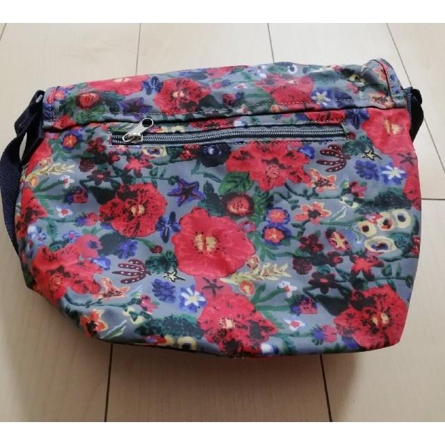 Dickies(ディッキーズ)のディッキーズ花柄ショルダーバッグ レディースのバッグ(ショルダーバッグ)の商品写真
