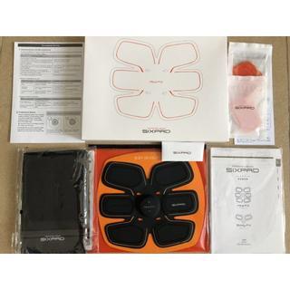 シックスパッド(SIXPAD)の新品 シックスパッド1set シリアルナンバー有り Sixpad 正規品(トレーニング用品)