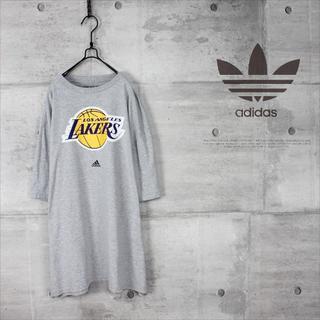 アディダス(adidas)の古着 adidas アディダス NBA LAKERS ビッグシルエット Tシャツ(Tシャツ/カットソー(半袖/袖なし))