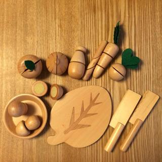 ブナの木のおままごとセット(知育玩具)