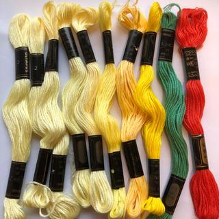 オリンパス(OLYMPUS)のオリンパス刺繍糸 J 合わせて10本(生地/糸)