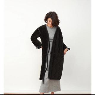 マディソンブルー(MADISONBLUE)のマディソンブルー キルティングコート ブラック 00 ロンハーマン(ロングコート)