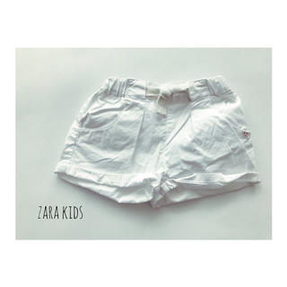 ZARA KIDS - ZARA KID'S ホワイトショートパンツ 90