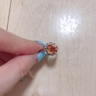 合成オレンジサファイアの菊爪ヴィンテージリング(リング(指輪))