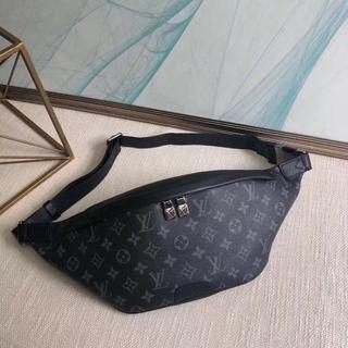 ルイヴィトン(LOUIS VUITTON)のLouis Vuitton x ショルダーバッグ(ウエストポーチ)