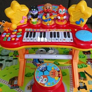 アンパンマン(アンパンマン)のアンパンマンのピアノ(椅子付き)(楽器のおもちゃ)