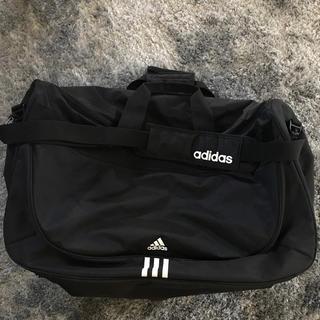 アディダス(adidas)のアディダス 大きめショルダーバッグ(ショルダーバッグ)