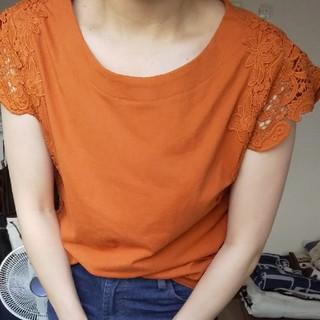 しまむら - ハナ刺繍カットソー