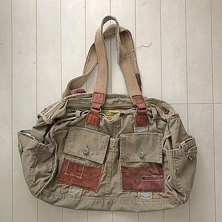 タフ(TOUGH)のショルダー鞄(ショルダーバッグ)