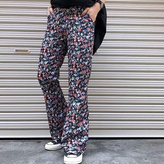 PAGEBOY - PAGEBOY 花柄フレアパンツ 黒