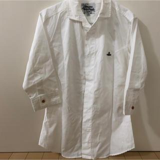 ヴィヴィアンウエストウッド(Vivienne Westwood)の「美品」vivienne westwood MAN 5分丈白シャツ(シャツ)