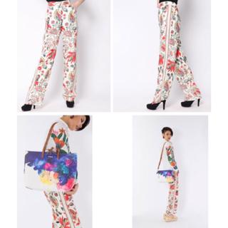 デシグアル(DESIGUAL)の新品 定価19900円 デシグアル パンツ ホワイト柄  M、 Sサイズ(カジュアルパンツ)