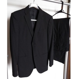 ユニクロ(UNIQLO)のユニクロ セットアップスーツ Mサイズ ブラック(セットアップ)