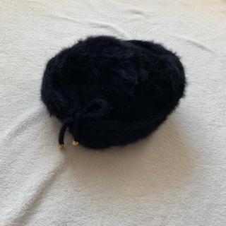 カンゴール(KANGOL)のKangol ふわふわ りぼん付き 黒のファー ベレー帽(ハンチング/ベレー帽)