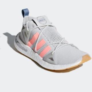アディダス(adidas)のadidas ランニングシューズ22.5cm 新品タグ付き(スニーカー)