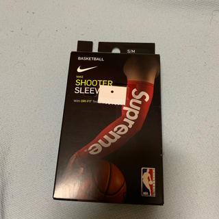 シュプリーム(Supreme)のNike supreme shooter sleeves アームカバー(バスケットボール)