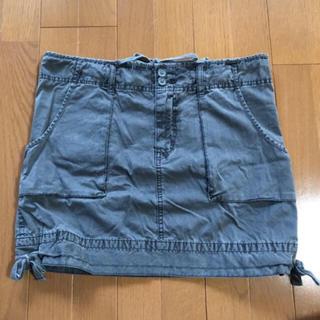ユニクロ(UNIQLO)の中古☆UNIQLO ミニスカート Mサイズ  グレー☆ダメージ(ミニスカート)