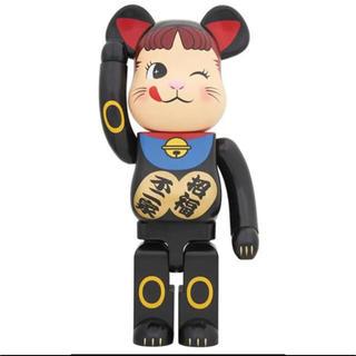 メディコムトイ(MEDICOM TOY)のBE@RBRICK招き猫ペコちゃん黒 1000%(その他)