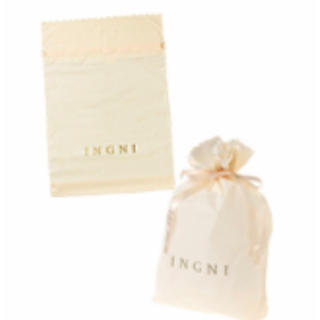 イング(INGNI)のINGNI  ❤️  巾着ギフトバック  新品(ショップ袋)