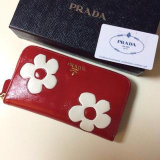 プラダ(PRADA)のプラダ お花柄サフィアーノ長財布 (財布)