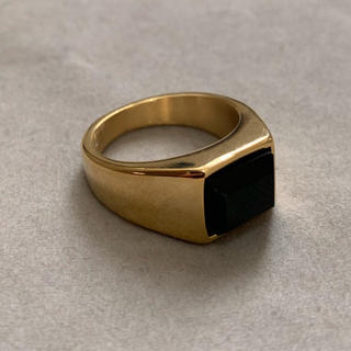 STAINLESS STEEL製 ブラックオニキスカレッジリング ゴールド  (リング(指輪))