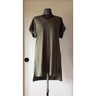 ユニクロ(UNIQLO)のユニクロ 女性用 ロング丈Vネック半袖Tシャツ XLサイズ(チュニック)