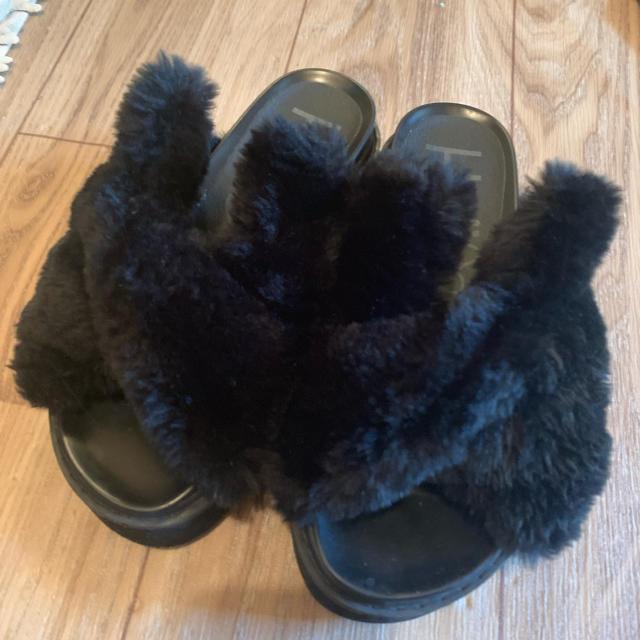 one spo(ワンスポ)のワンスポ  ファー サンダル レディースの靴/シューズ(サンダル)の商品写真