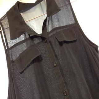 ジーユー(GU)のノースリーブシャツ(シャツ/ブラウス(半袖/袖なし))